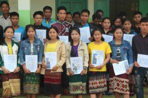 Remise de diplome bénéficiaire d'Enfants d'Asie