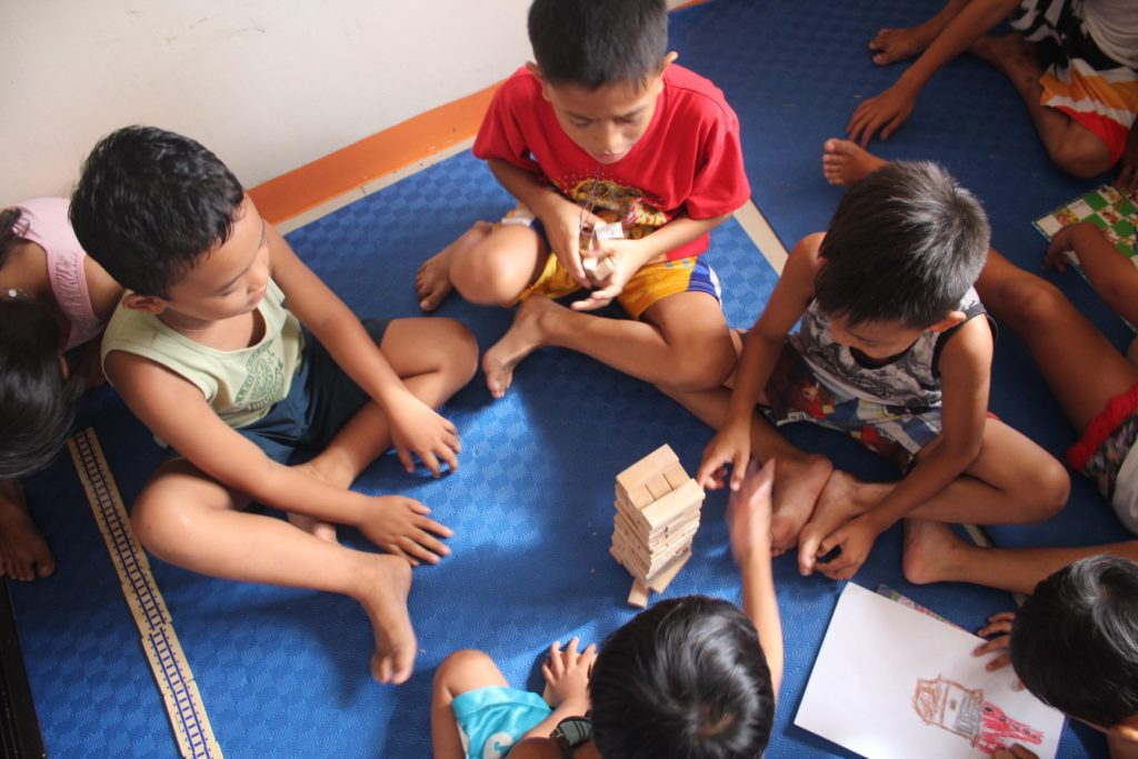 Enfants d'Asie aux Philippines