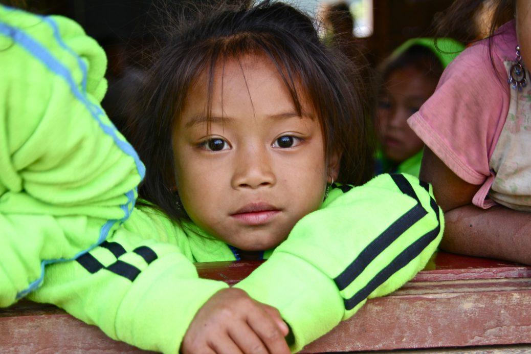 Petite fille d'Enfants d'Asie