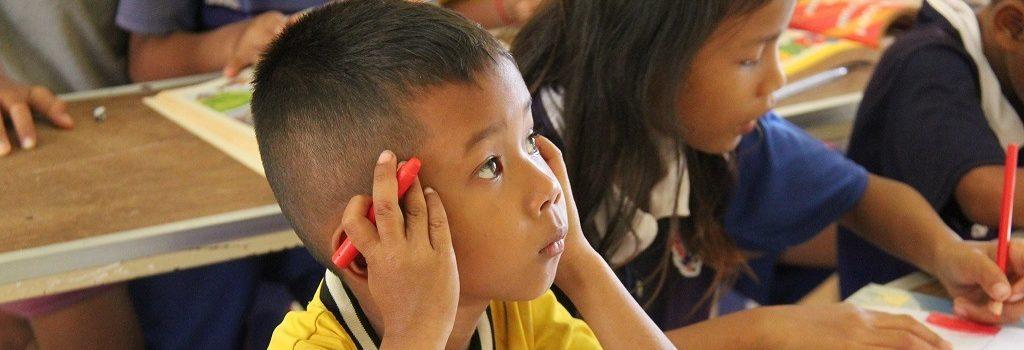 Un bénéficiaire d'Enfants d'Asie en classe